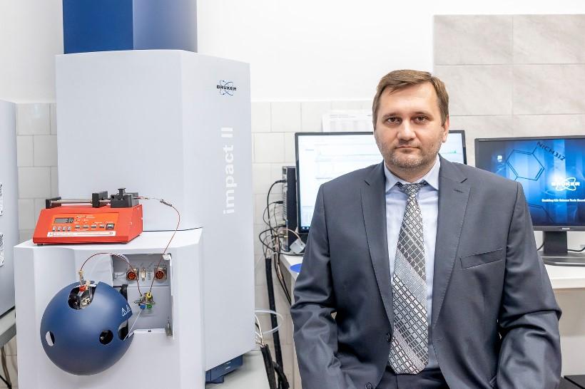 1. Prof. dr hab. inż. Tomasz Ruman (fot. Beata Motyka, Politechnika Rzeszowska)