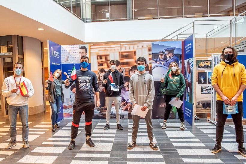 1. Studenci programu Erasmus na Politechnice Rzeszowskiej (fot. Beata Motyka, Politechnika Rzeszowska)