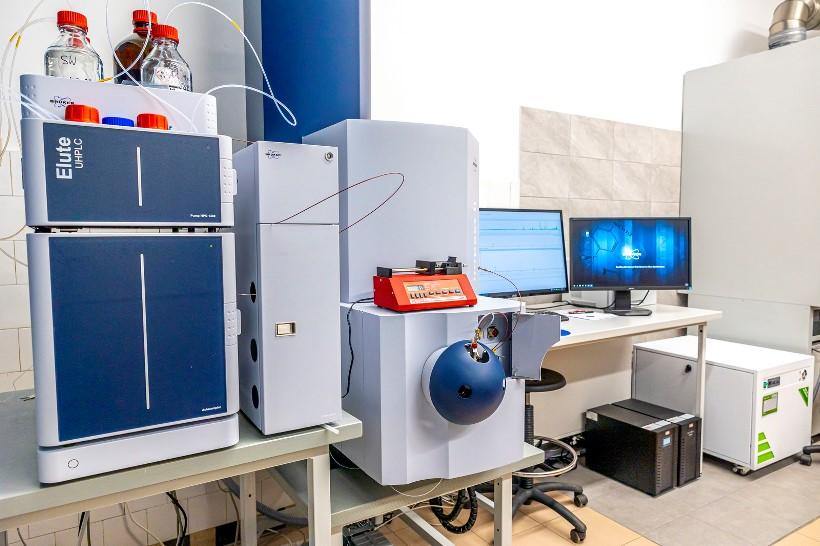 2. Spektrometr masowy typu QToF z zestawem UHPLC (fot. Beata Motyka, Politechnika Rzeszowska)