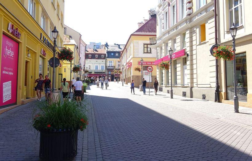 UlicaGrunwaldzka-WidokNaPołudnie-POL,_Rzeszów