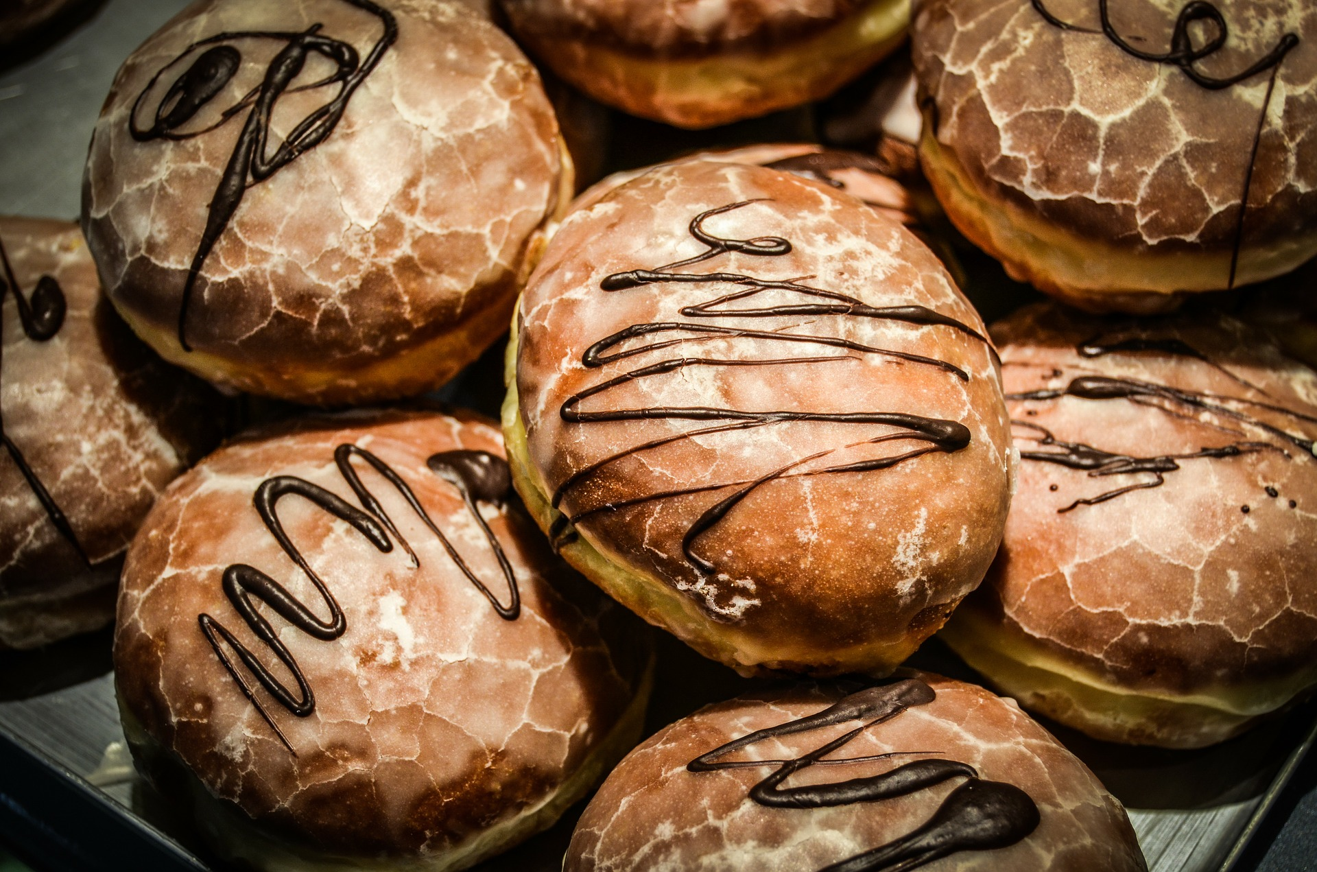 donuts-268250_1920