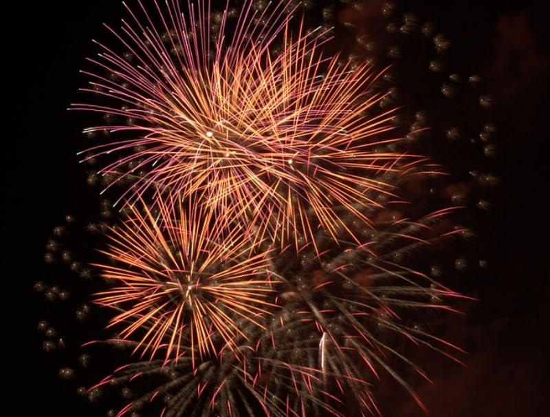 fireworks-3524936_960_720