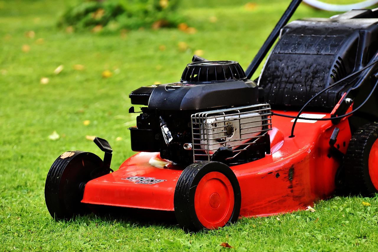 lawn-mower-2293876_1280