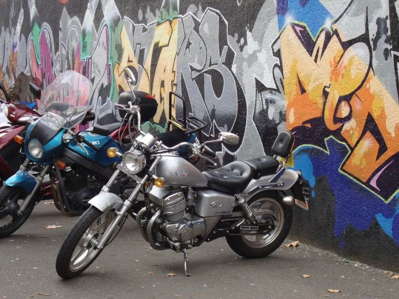 motor-bikes-2849733_960_720
