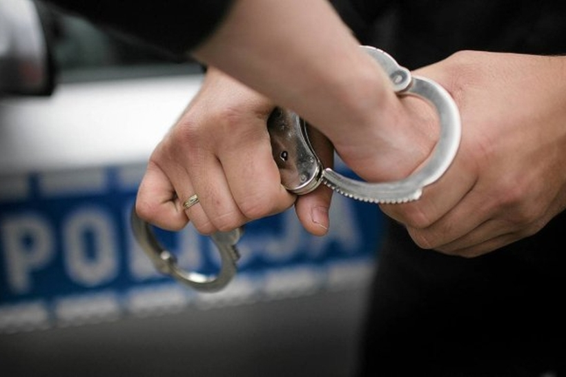 policja-kajdanki-zatrzymanie-n8