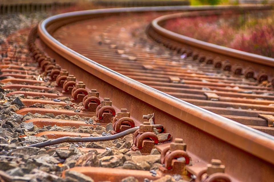 rails-3633518_960_720