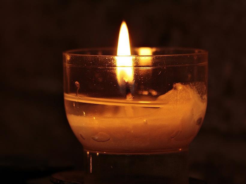 tealight-2692556_1920