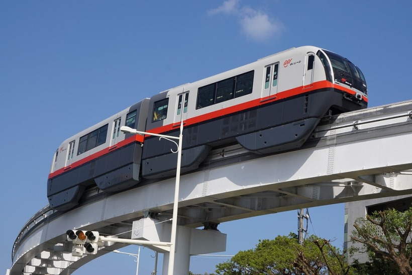 the-monorail-2234868_960_720