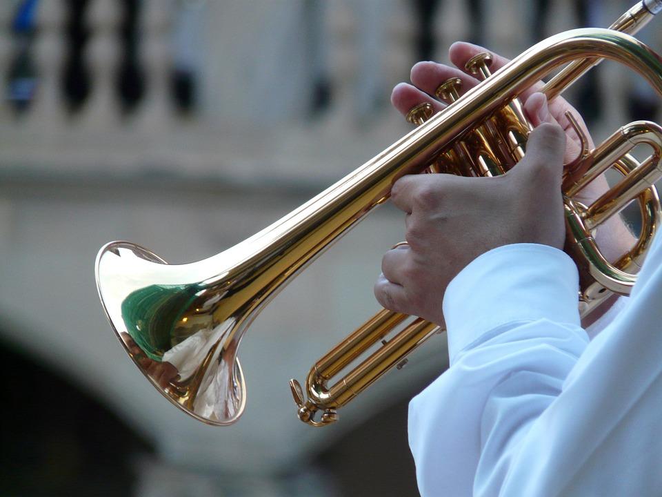 trumpet-player-8455_960_720